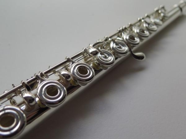 Flute traversière Yamaha 587 (1)