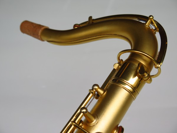 Sax ténor Conn Chu Berry plaqué or (8)