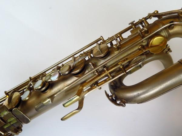 Sax baryton Conn 12M plaqué or (2)