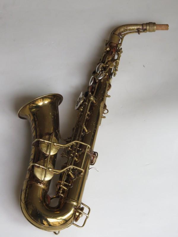 Saxophone alto Conn 26 M Connqueror verni (17)