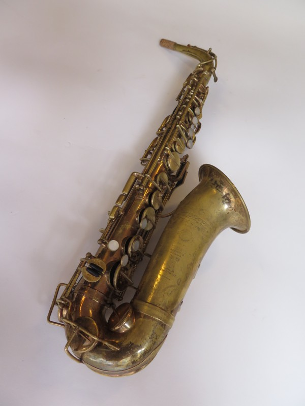 Saxophone alto Selmer Super verni (13)
