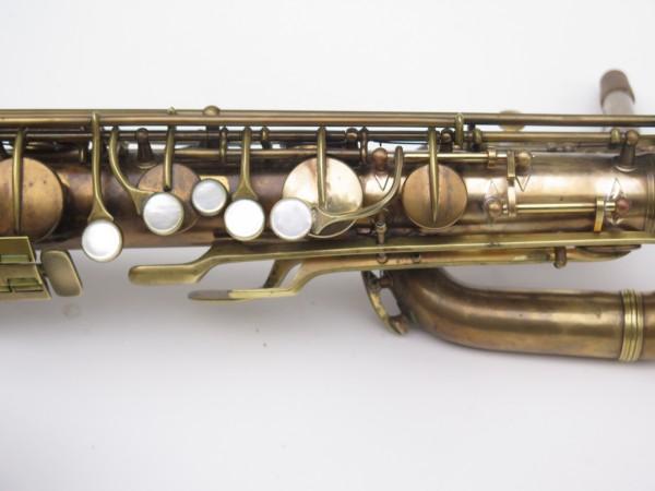 Saxophone baryton Conn 12M verni (13)