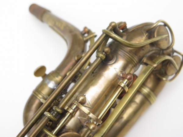 Saxophone baryton Conn 12M verni (15)