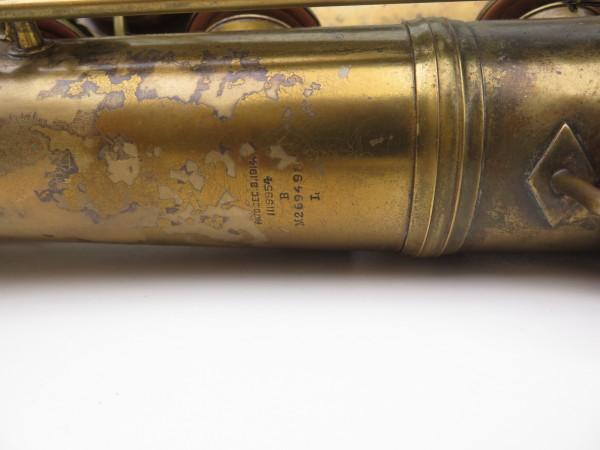 Saxophone baryton Conn 12M verni (19)