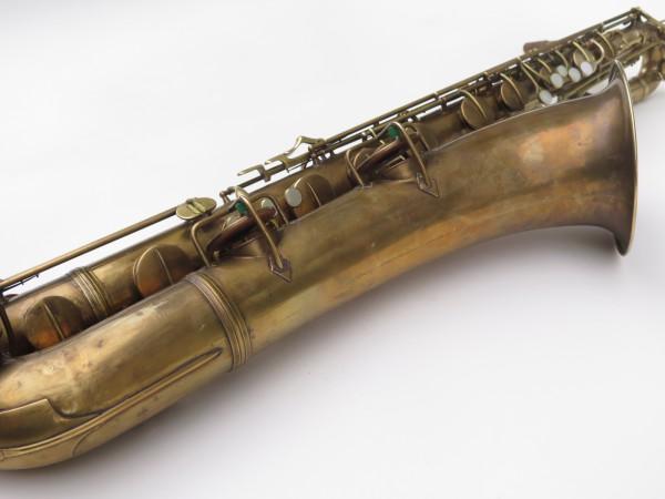 Saxophone baryton Conn 12M verni (2)