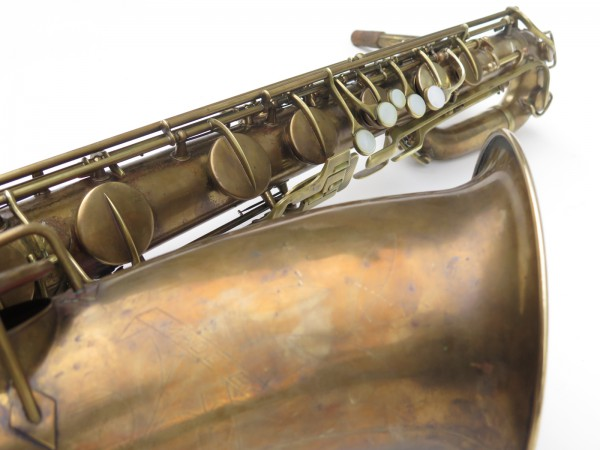 Saxophone baryton Conn 12M verni (5)