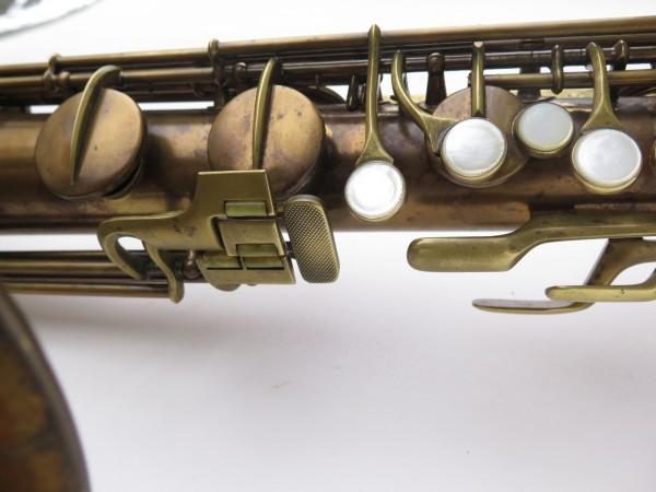 Saxophone baryton Conn 12M verni (6)