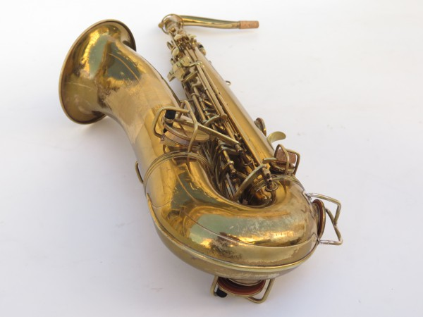 Saxophone ténor Conn transitionnel verni gravé (11)