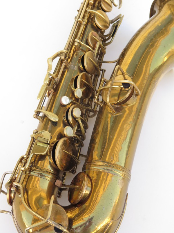 Saxophone ténor Conn transitionnel verni gravé (14)