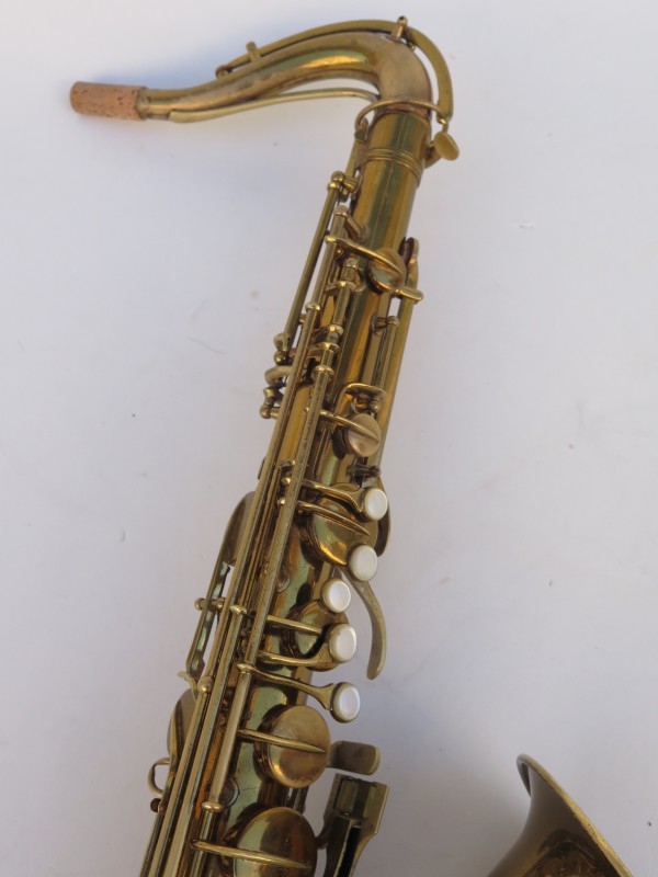 Saxophone ténor Conn transitionnel verni gravé (15)