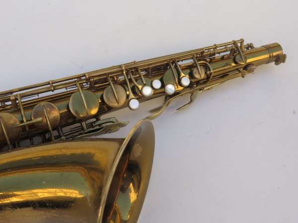 Saxophone ténor Conn transitionnel verni gravé (3)