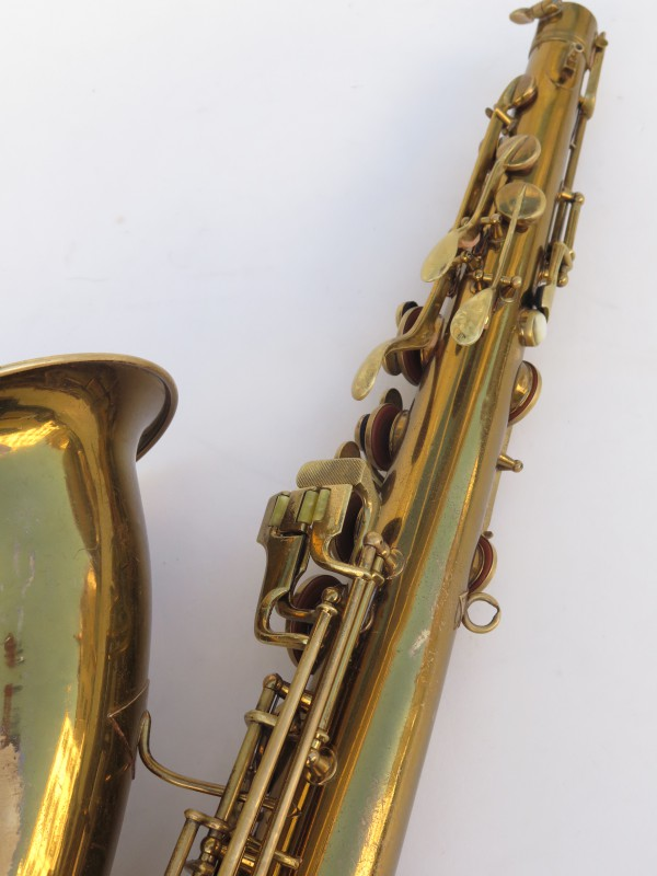 Saxophone ténor Conn transitionnel verni gravé (6)