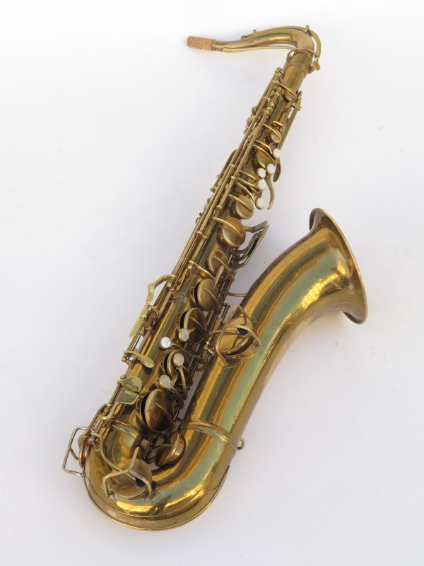 Saxophone ténor Conn transitionnel verni gravé (9)
