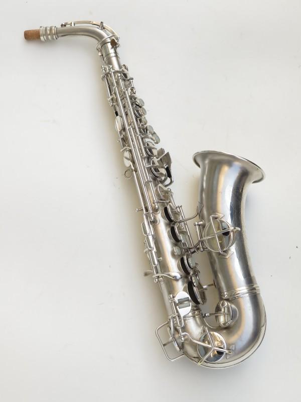 Saxophone alto Conn Chu Berry argenté sablé (12)