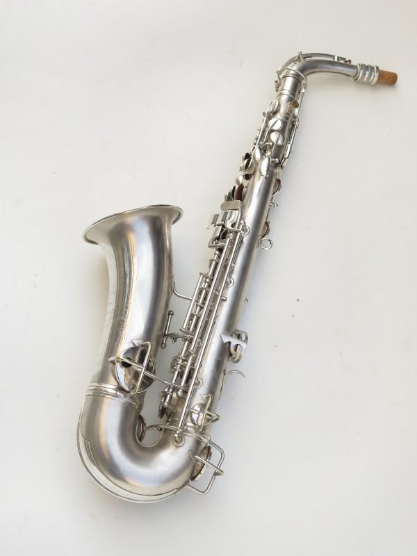 Saxophone alto Conn Chu Berry argenté sablé (13)