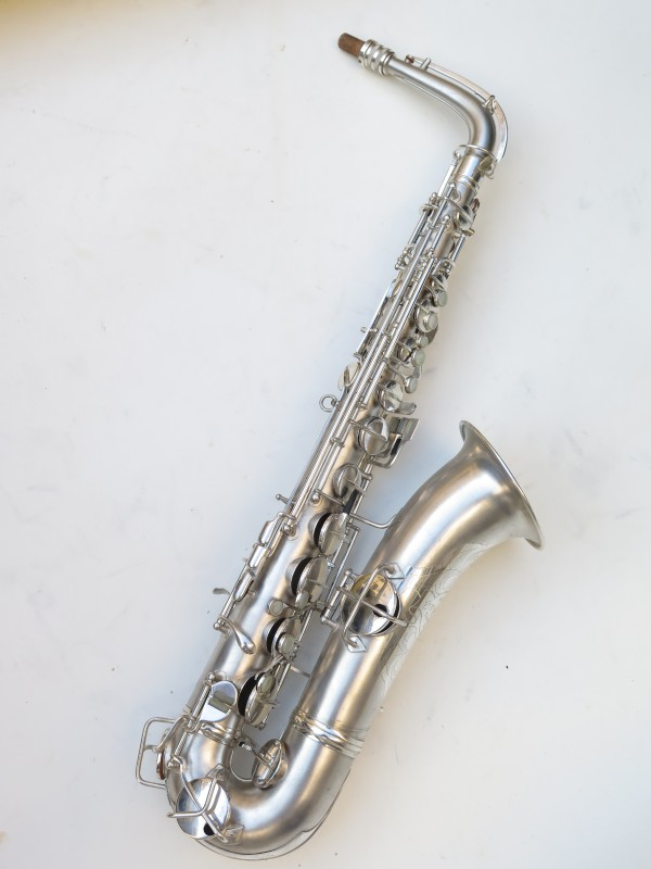 Saxophone C Melody Conn New Wonder 2 argenté sablé (20)