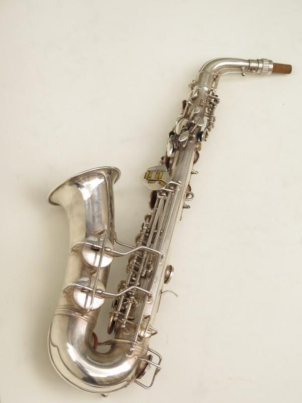 Saxophone alto Conn 6M 8 US Army argenté sablé ladyface (15)