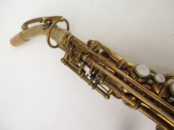 Saxophone soprano courbe Buescher True Tone verni (16)