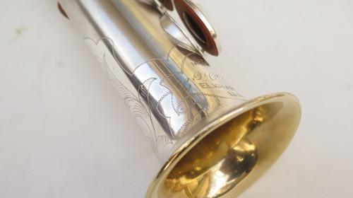 Saxophone soprano Conn argenté gravé (1)