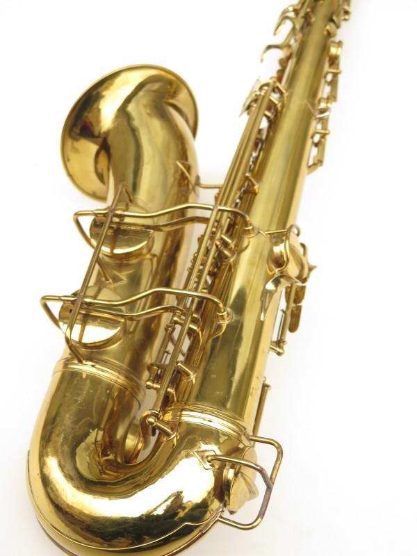 Saxophone ténor Conn 10 verni gravé ladyface (6)