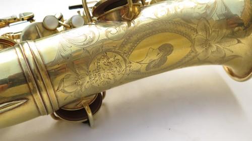 Saxophone alto Conn Chu Berry plaqué or ladyface (1)